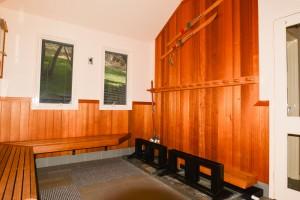 th Ski room 2